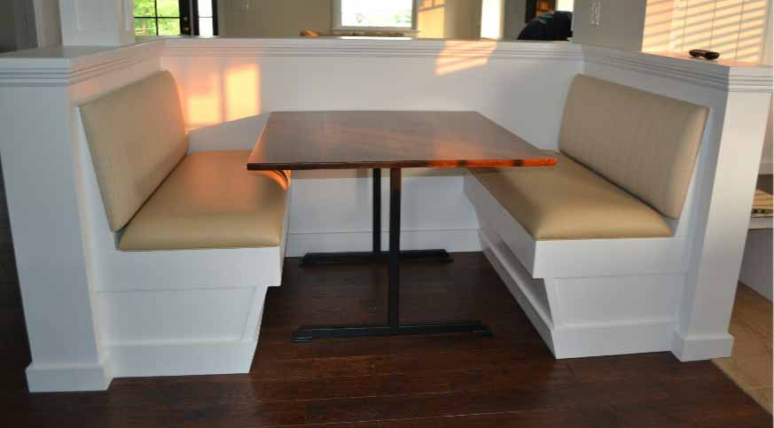 table-with-seats